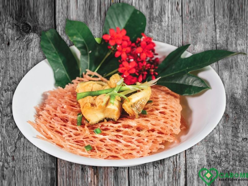 Cassava noodles with snakehead